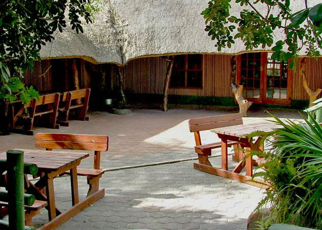 MAPUTALAND LODGE and RESTAURANT